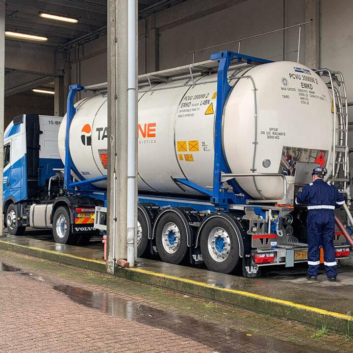 tankcontainer-laden-lossen