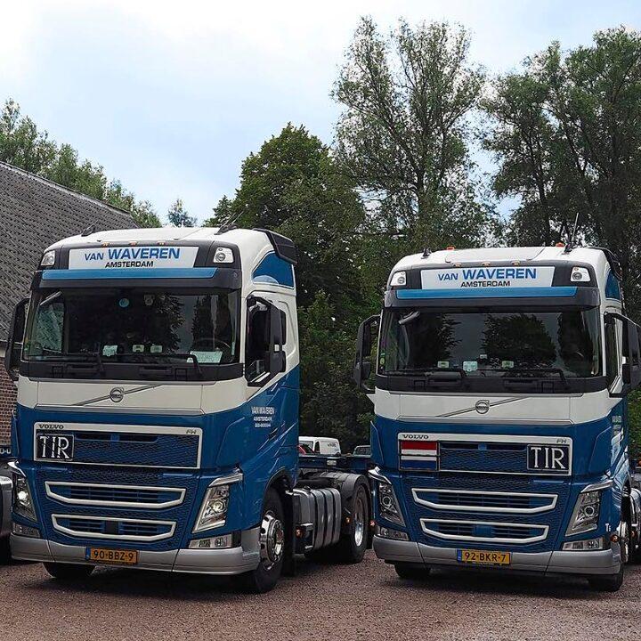 twee-volvo-fh-van-waveren-transport